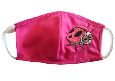 Mascarilla rosa bordada